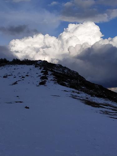 Sorpresa nevada en Abril. Vuelo por la nieve en parapente